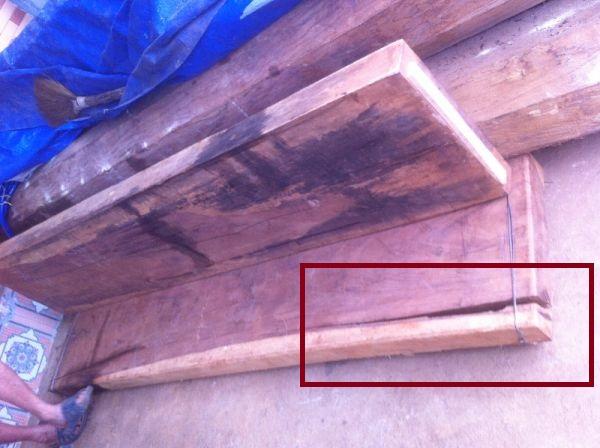 Gỗ mới khai thác phải dùng dây thép hoặc đóng đinh để giữ gỗ không bị xé , cong vênh .
